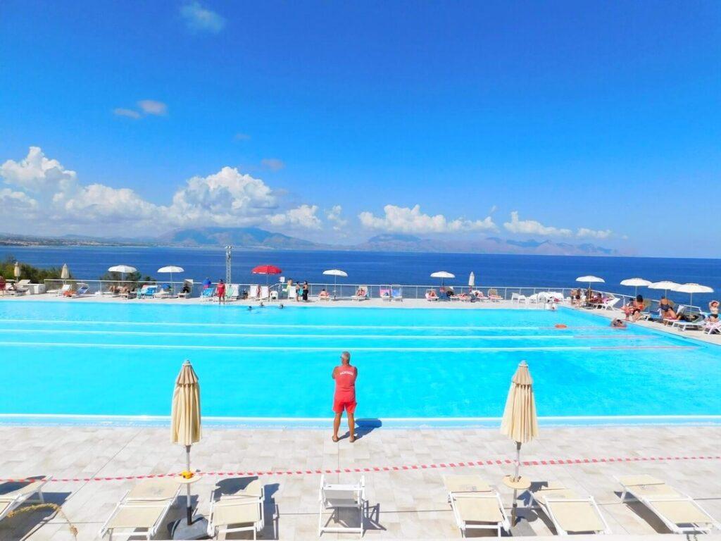 1080 piscina 100
