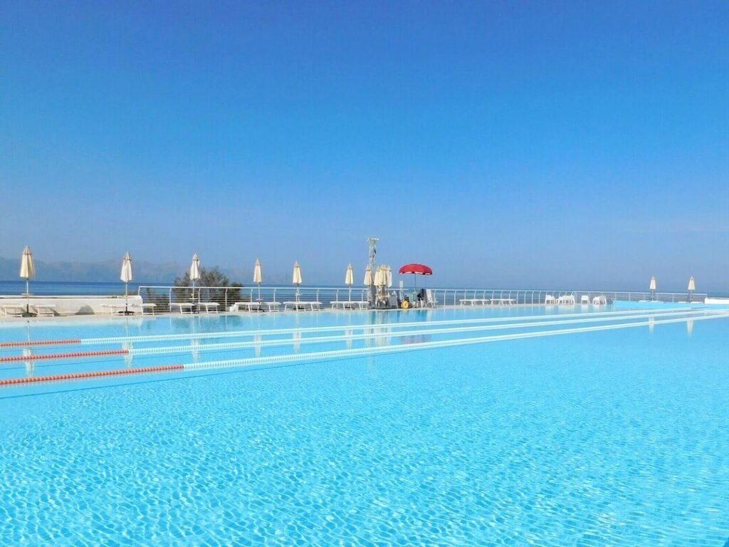 1080 piscina 50